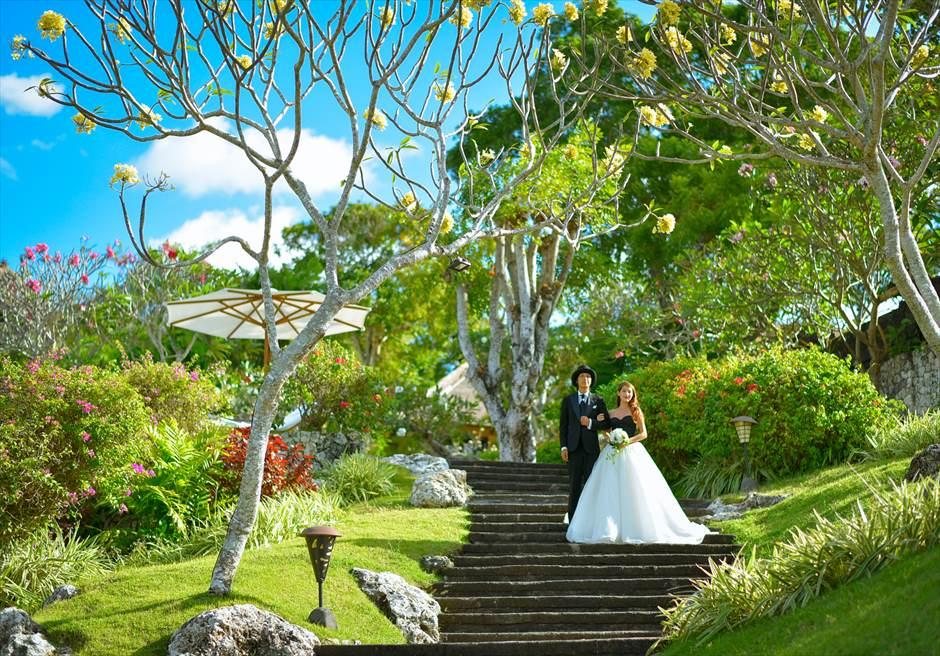 バリ島ウェディング・フォト【ガーデン】/フォーシーズンズ・リゾート・ジンバラン