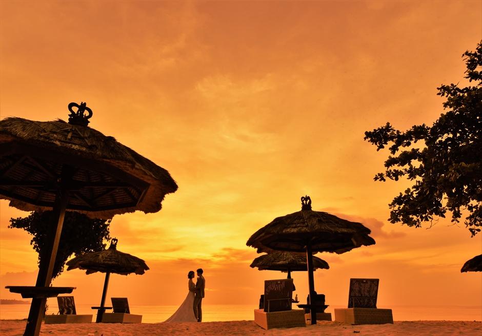 バリ島ウェディング・フォト【サンセット】/ ベルモンド・ジンバラン・プリ・バリ/ ビーチ【18時】