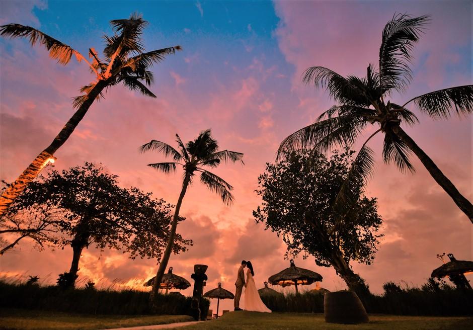 バリ島ウェディング・フォト【サンセット】/ ベルモンド・ジンバラン・プリ・バリ/ ガーデン【18時40分】
