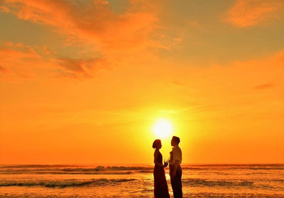 バリ島ウェディング・フォト【サンセット】/ レギャン・ビーチ パドマ・バリ