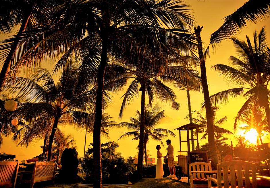 バリ島ウェディング・フォト【サンセット】/ マンディラ・ビーチ・リゾート ガーデン