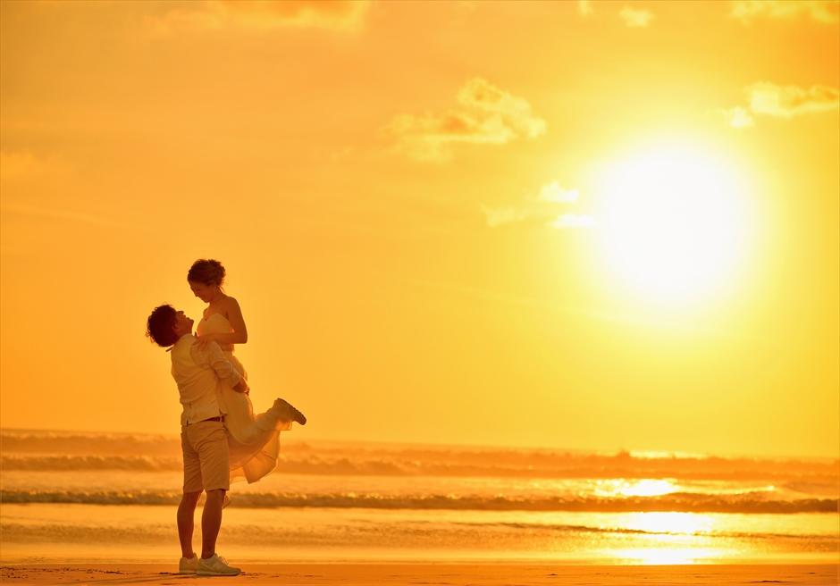 バリ島ウェディング・フォト【サンセット】/ マンディラ・ビーチ・リゾート ビーチ