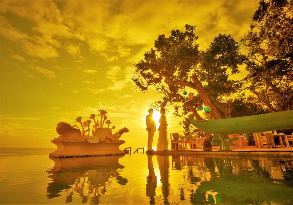 バリ島ウェディング・フォト【サンセット】/ ザ・スミニャック・リゾート プール