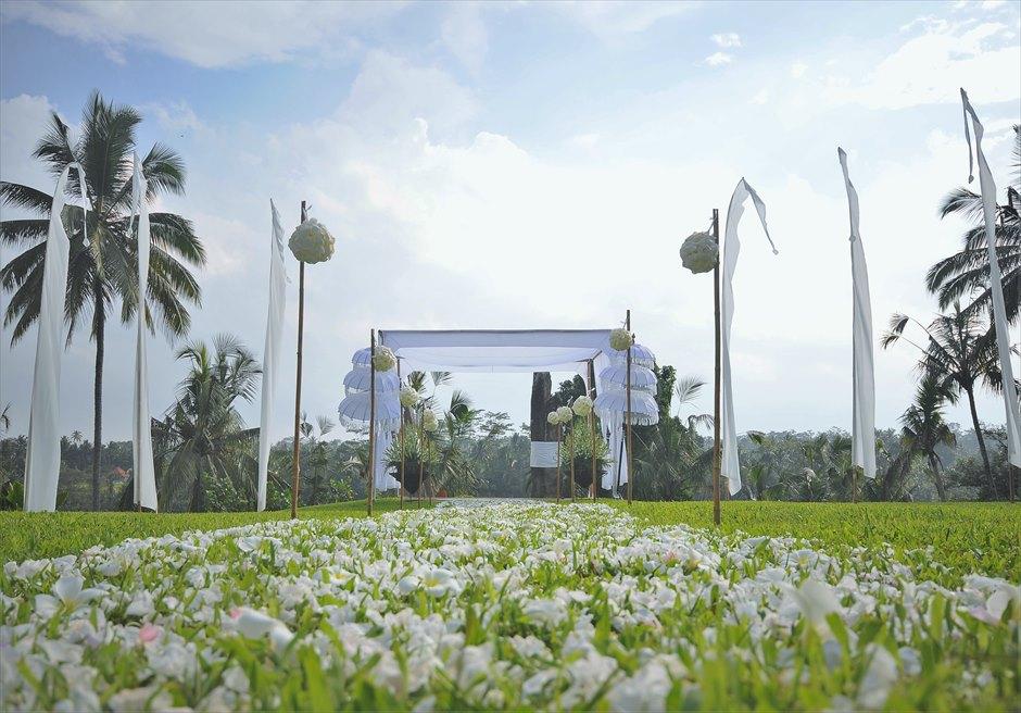 アリラ・ウブド ウェディング&パーティー スカルプチャー・ガーデン 挙式会場装飾