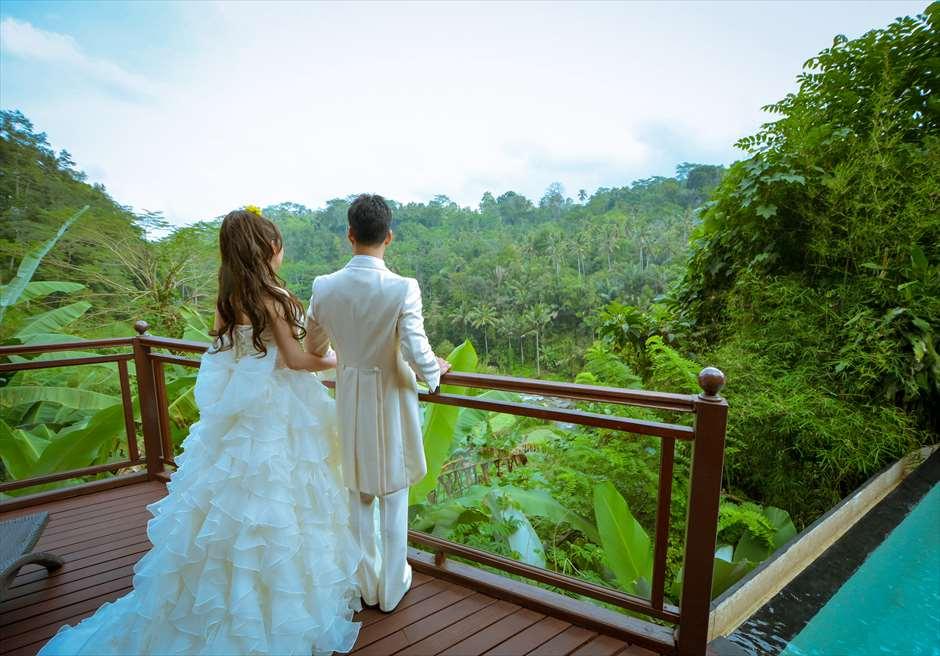 クプ・クプ・バロン・ヴィラズ&ツリー・スパ<br /> お泊りのヴィラから広大なジャングルを望む