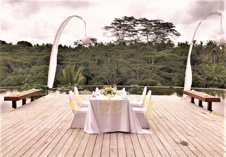 フォーシーズンズ・リゾート・サヤン ロータス・ポンド プライベートパーティー テーブル装花 挙式会場装花流用