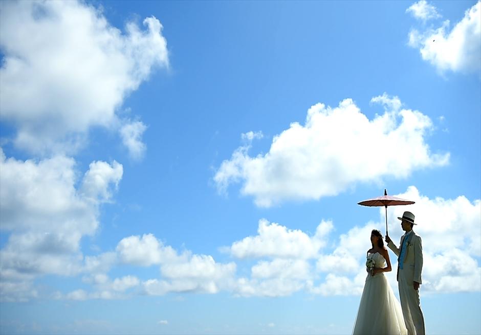 ティルタ・ウルワツの青い空と