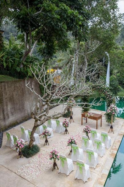 コマネカ・アット・ビスマ<br /> ロマンサ・センジャ ガーデンウェディング<br /> プールサイド・パノラマ