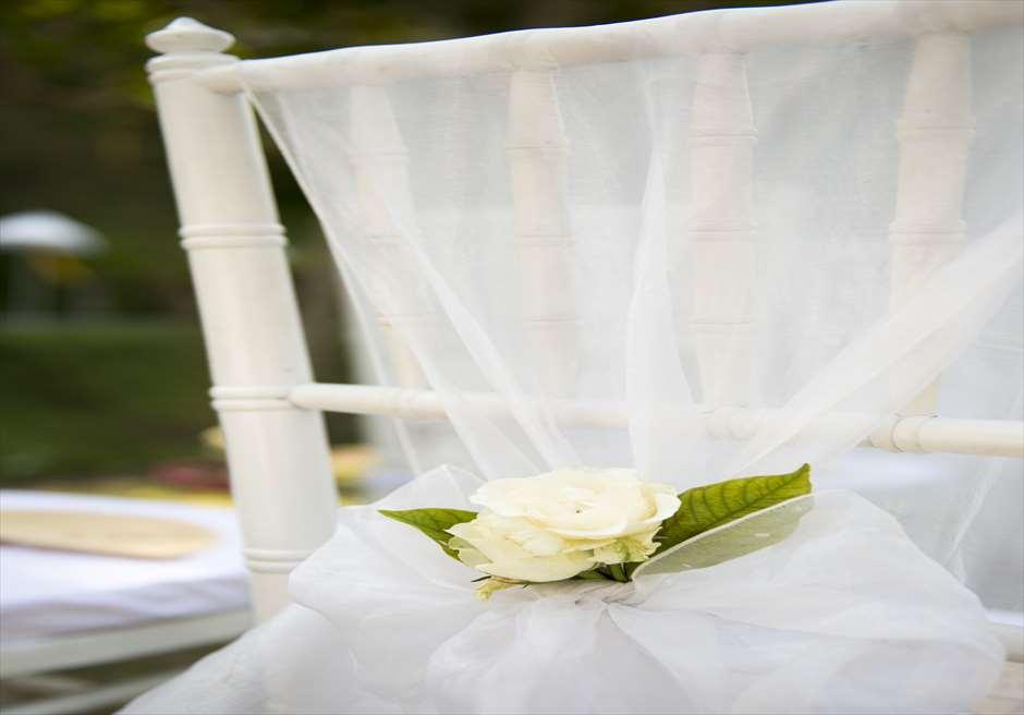 ブミ・ドゥア・ダリ ザ・ホワイト・ウェディング セレモニーチェア装飾