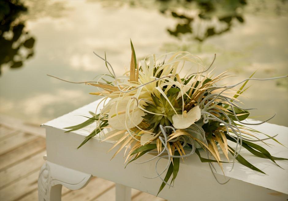 フォーシーズンズ・リゾート・バリ・サヤン サヤン・セレニティ・ウェディング 祭壇 生花&フラワーワーク装飾