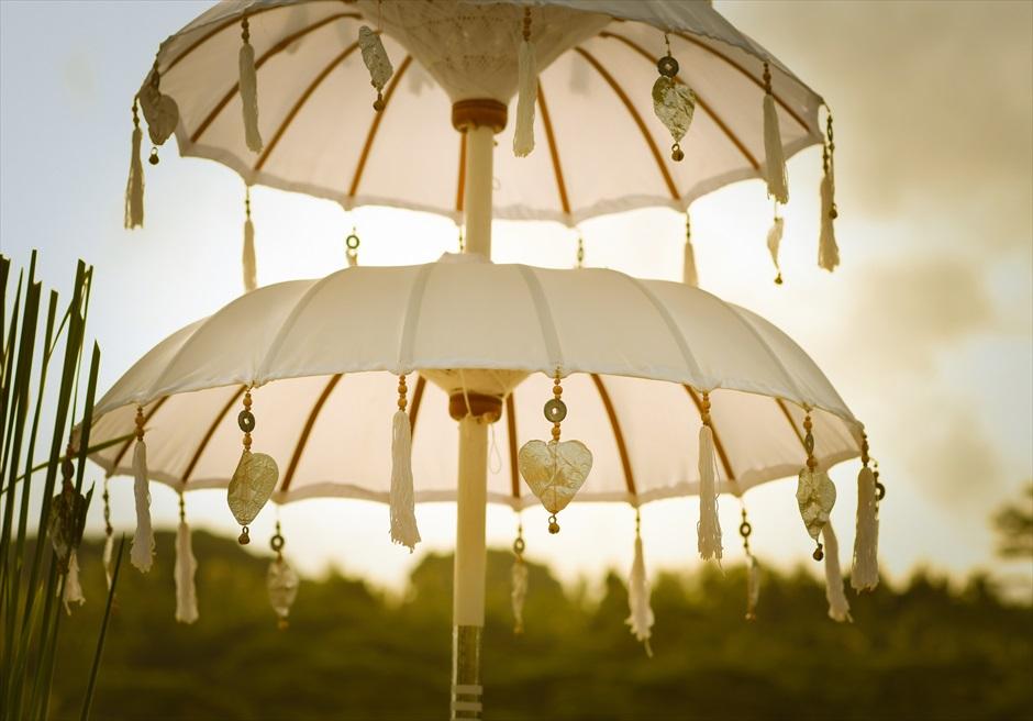フォーシーズンズ・リゾート・バリ・サヤン サヤン・インフィニティ・アップグレード 挙式会場装飾 バリニーズ・アンブレラ