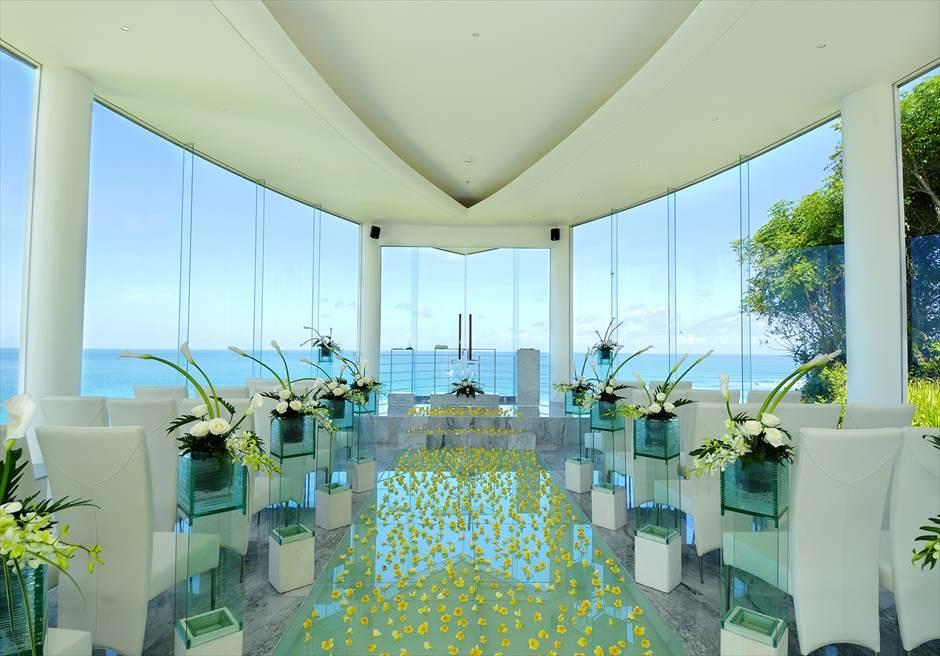ヒルトン・バリ・リゾート| ワイワハ・チャペル| 祭壇先のテラスより美しいヌサドゥアの海を望む