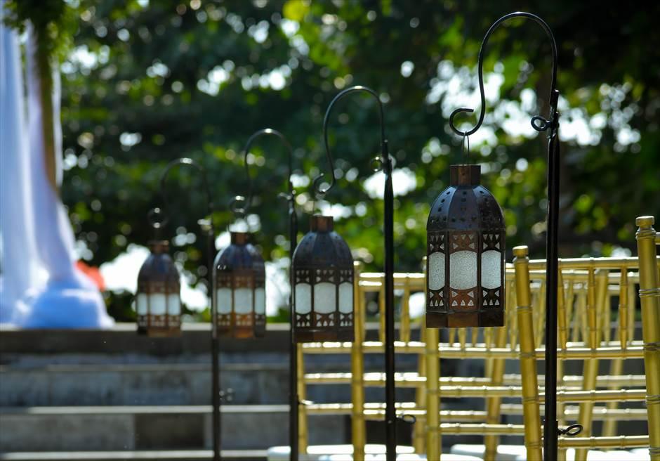 プレジデンシャルスイートヴィラ ビーチフロント・ガーデンウェディング バリニーズ・スタイル基本装飾 アイルサイド・ランタン装飾