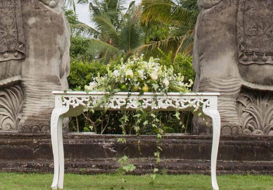 ザ・エタニティ・パディ アンフィシアター コンテンポラリー・スタイル  生花祭壇装飾