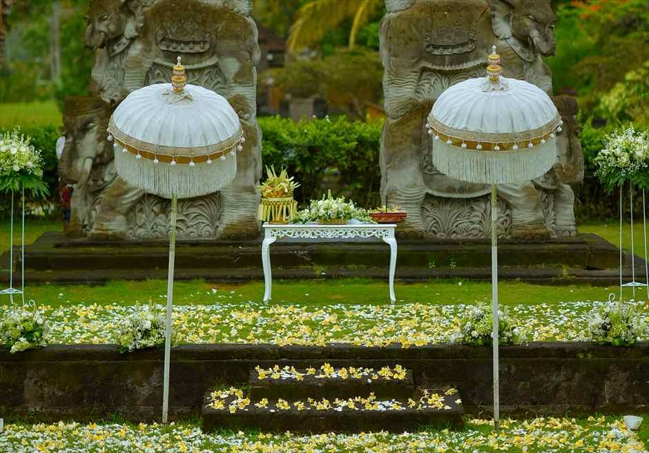 ザ・エタニティ・パディ アンフィシアター バリニーズ・スタイル  生花祭壇装飾