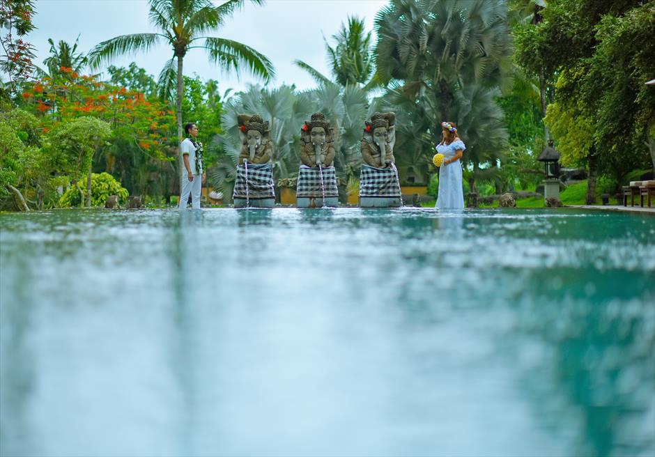 タナ・ガジャ・リゾート・バイ・ハディプラナメインプールにて挙式前撮影