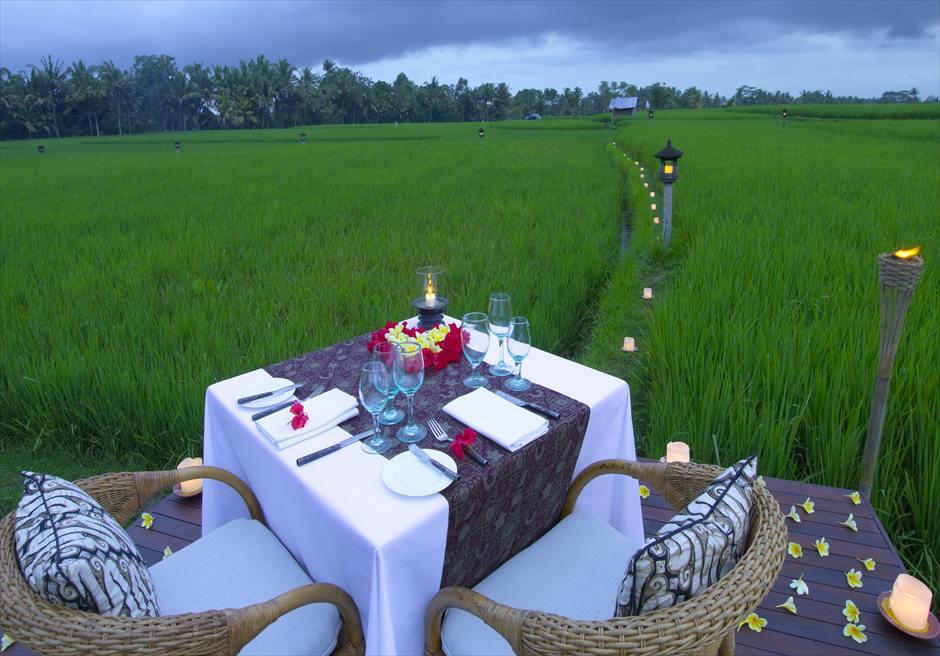 ザ・エタニティ・パディ ライステラス挙式特典 ロマンティックディナー テーブル装飾