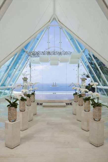 ティルタ・ウルワツ| ベーシック・ウェディング・プラン| チャペル内基本装飾