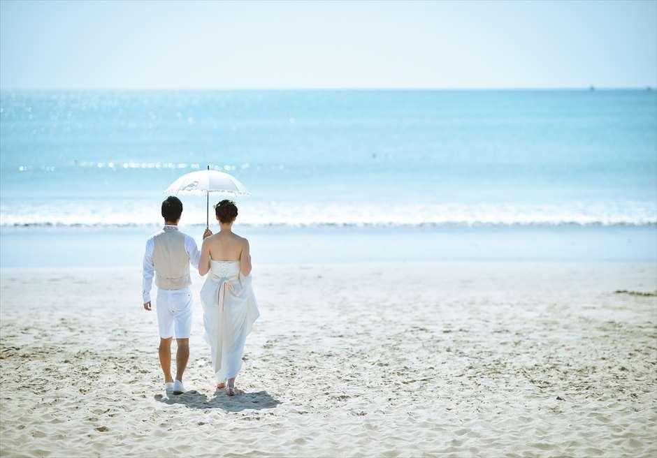 ホワイト・サンズ・ビーチウェディング<br /> 挙式の舞台となるクラトン・ジンバラン・ビーチ・リゾート<br /> ジンバランビーチ