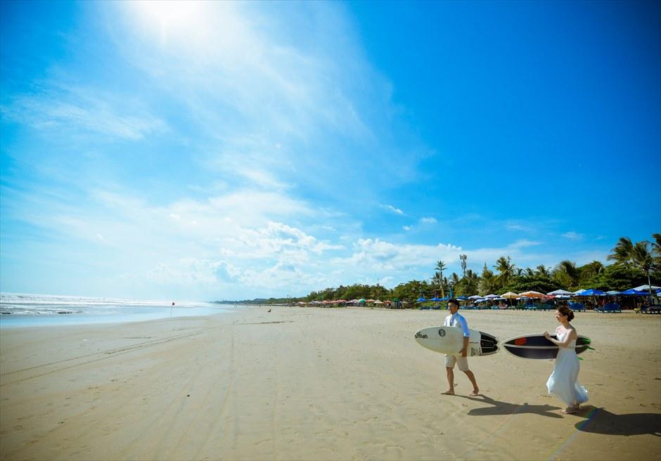 バリ・マンディラ・ビーチ・リゾート&スパレギャンビーチにてフォトウェディング