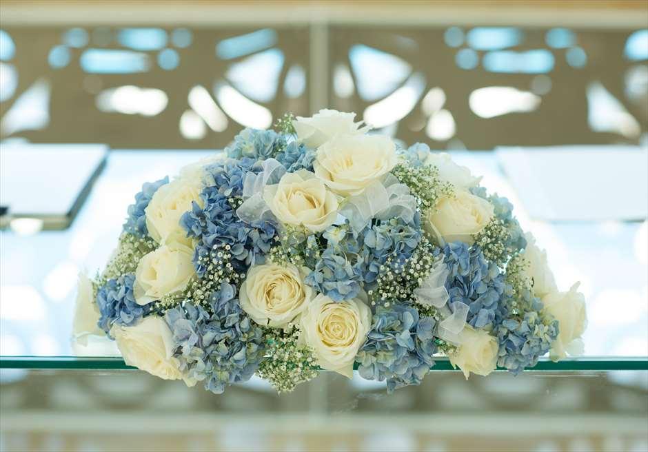 ザ・ムリア・バリ<br /> ハーモニー・チャペル・オールブルー・ウェディング<br /> アップグレード ブルー装花