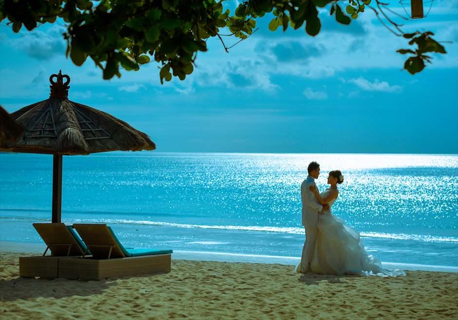 ベルモンド・ジンバラン・プリ・バリ<br /> ジンバランビーチ・フォトウェディング<br /> バリ島で随一に美しいといわれるプリ・バリ・ビーチ