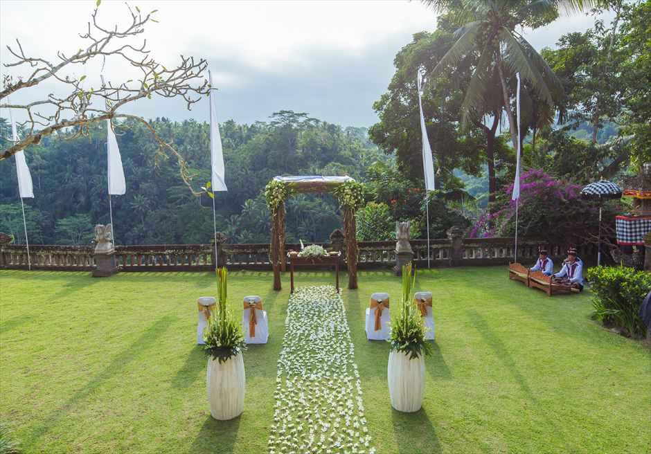 プリ・ウランダリ・ブティック・リゾート スカイ・ガーデン・ウェディング コンテンポラリー・スタイル挙式会場全景