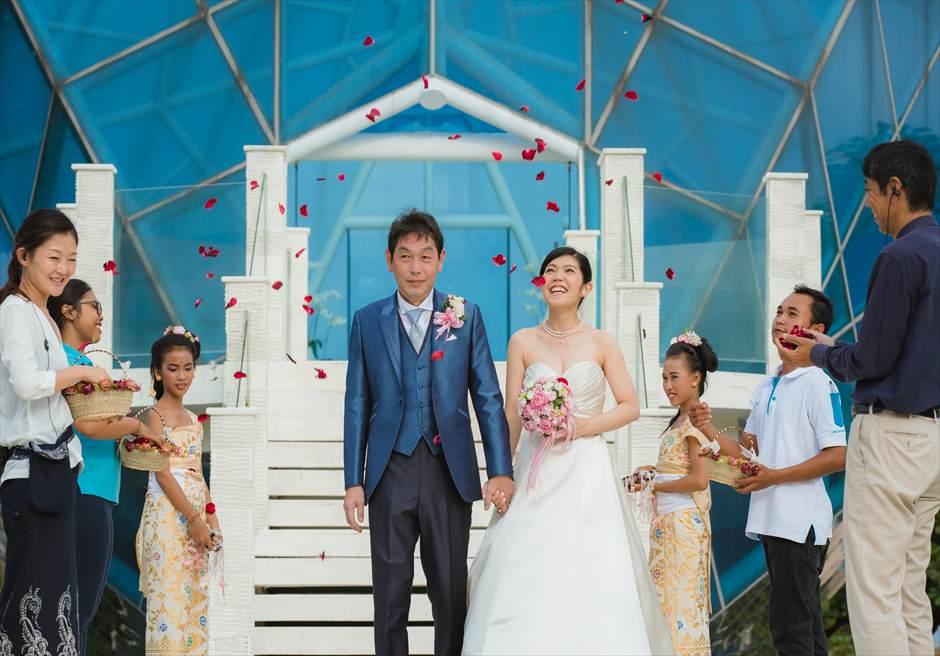 ザ・ダイヤモンド・チャペルウェディング 生花のフラワーシャワー