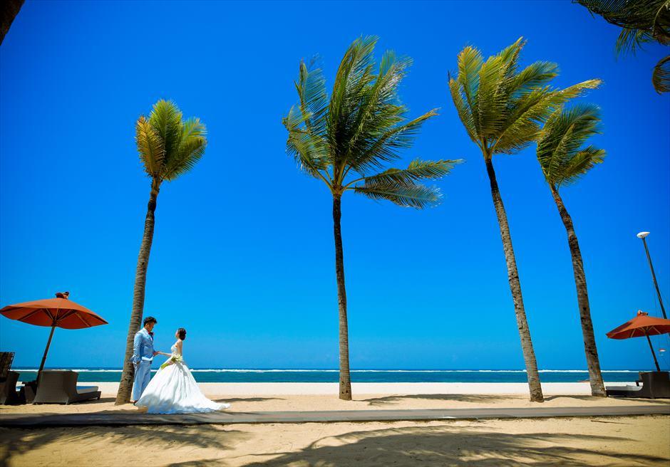 セント・レジス・バリ<br /> トロピカルなビーチにてフォトウェディング