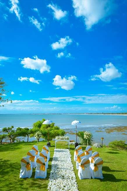 フォーシーズンズ・リゾート・バリ・アット・ジンバランベイ<br /> ウェディング会場:ジンバラン・ガーデン全景