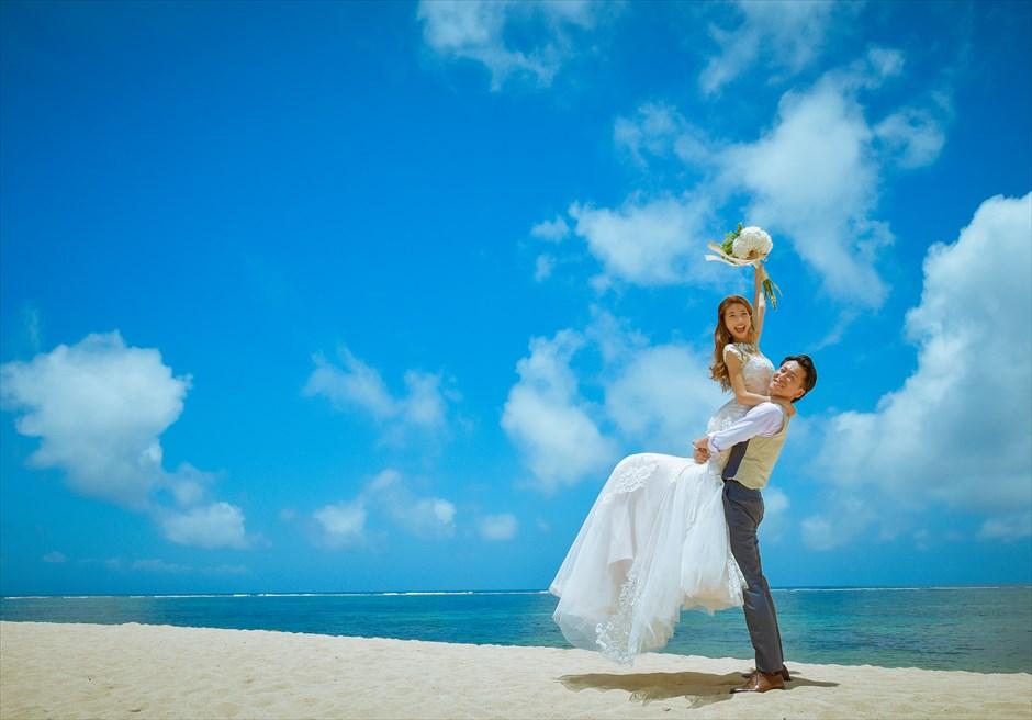 ザ・ムリア・バリバリ島で随一に美しい白砂のヌサドゥアビーチにてフォトウェディング