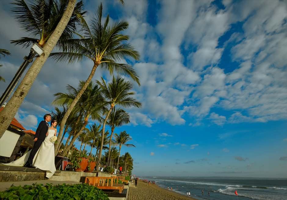 ザ・レギャン・バリスミニャックビーチを望むフォトウェディング
