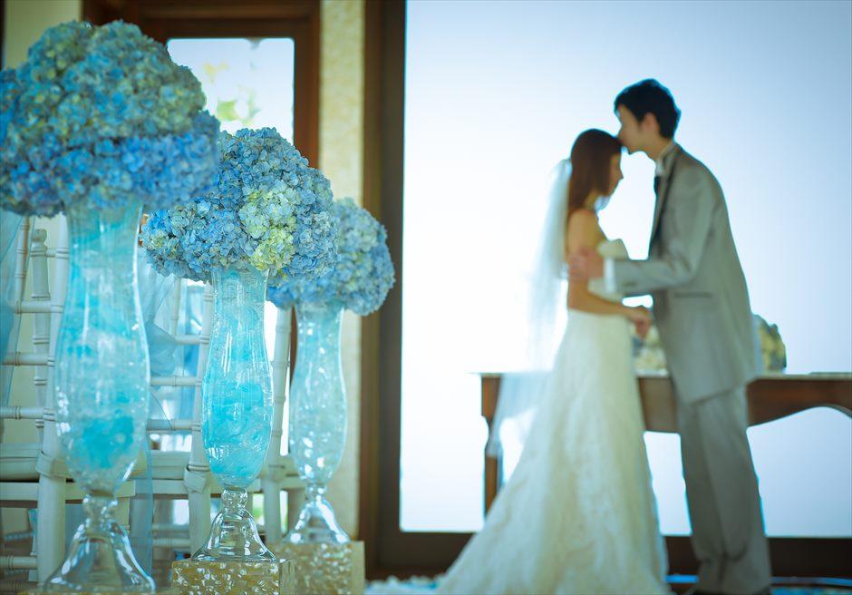 クラウド・ナイン・チャペル・アット・セント・レジス・バリ<br /> BLESS BALI オールブルー・ウェディング<br /> 挙式シーン