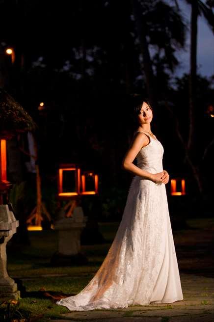 幻想的な灯籠がジ・オベロイ・バリの夜を演出する