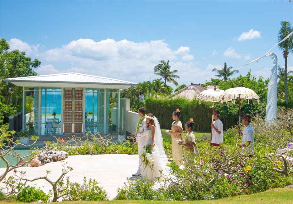 アヤナ・リゾート&スパ・バリ結婚式 アスティナ・チャペル・ウェディング 挙式会場入場