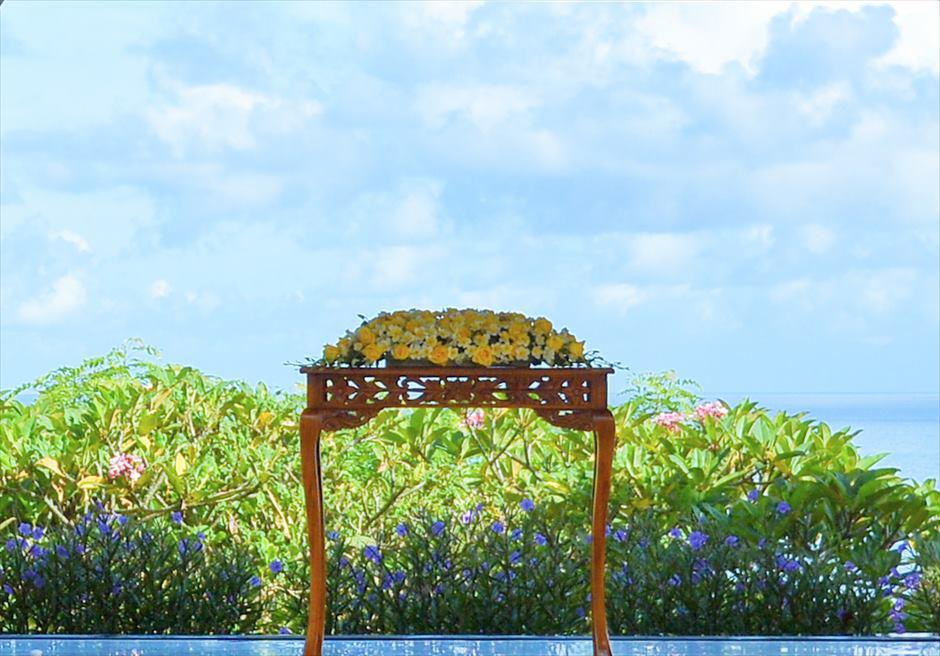 アヤナ・リゾート&スパ・バリ結婚式 バレ・クンチャナ・ウェディング 挙式会場 祭壇装飾