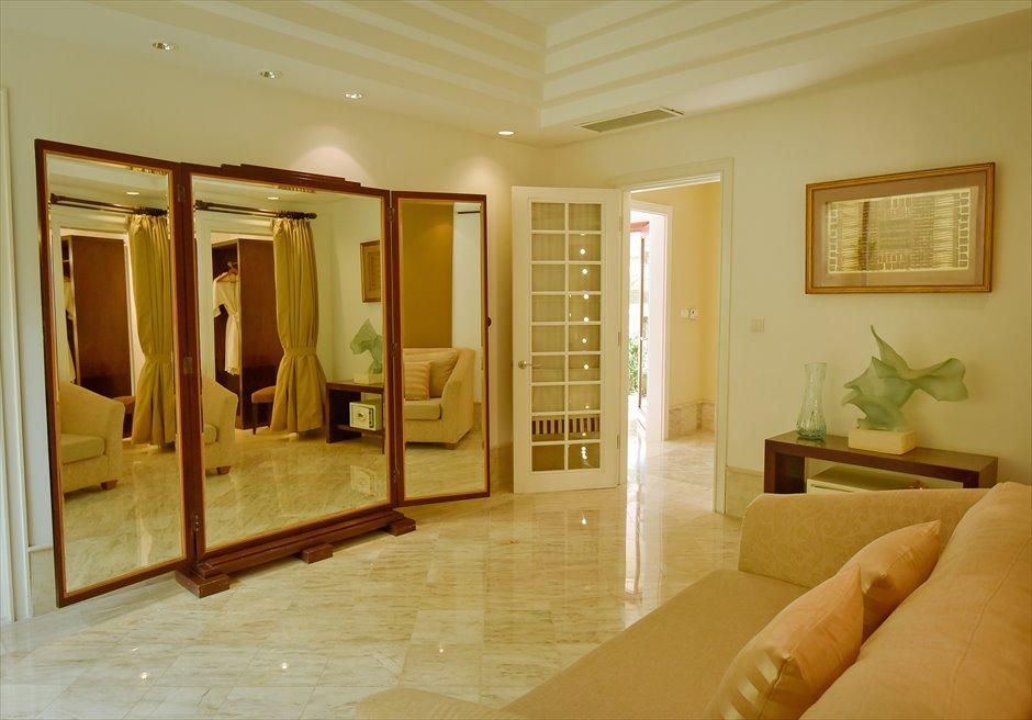 アヤナ・リゾート・バリ挙式 トゥリスナ・チャペル・ウェディング お支度部屋