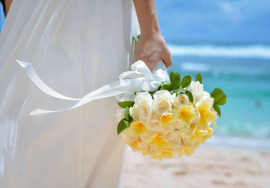 バンヤン・ツリー・ウンガサン ザ・ホワイト・ダブ・チャペル 4種類の生花ブーケ&ブートニアから選択可