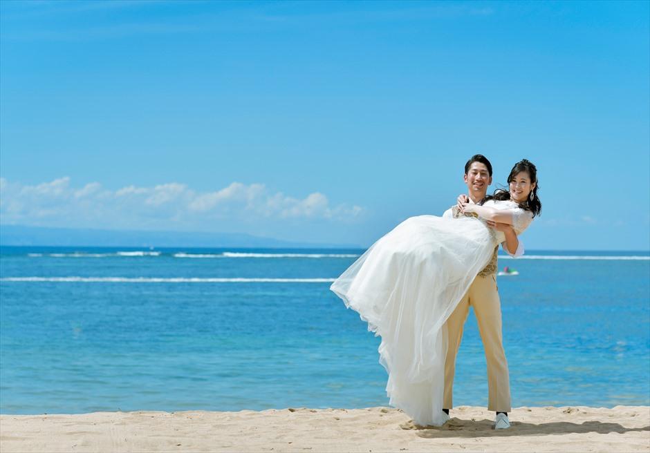 随一に美しいきめ細かい白砂ビーチ
