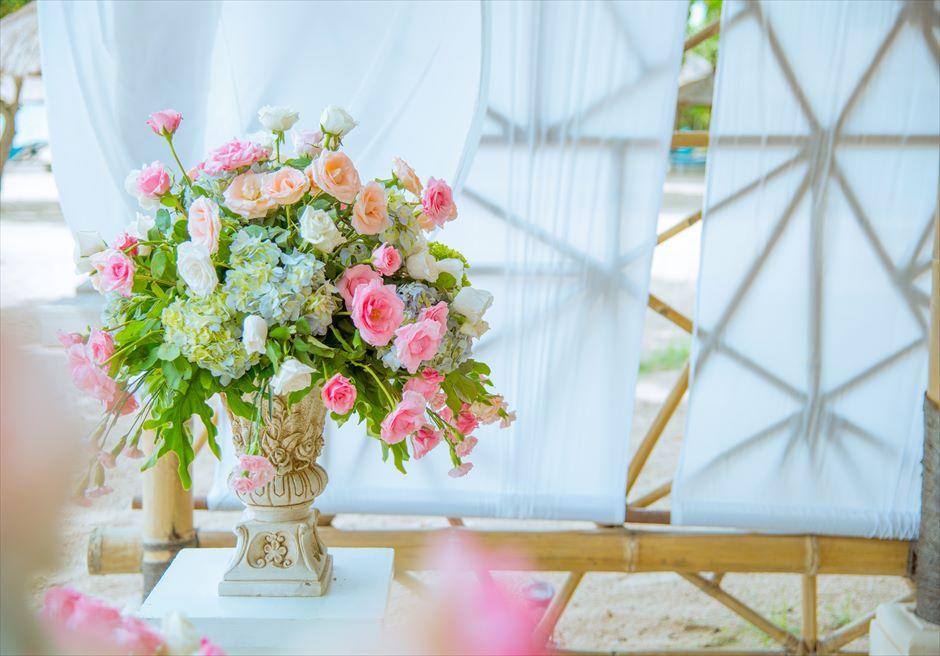 ベルモンド・ジンバラン・プリ・バリ ナチュラル・バンブー・パビリオン アップグレード装花