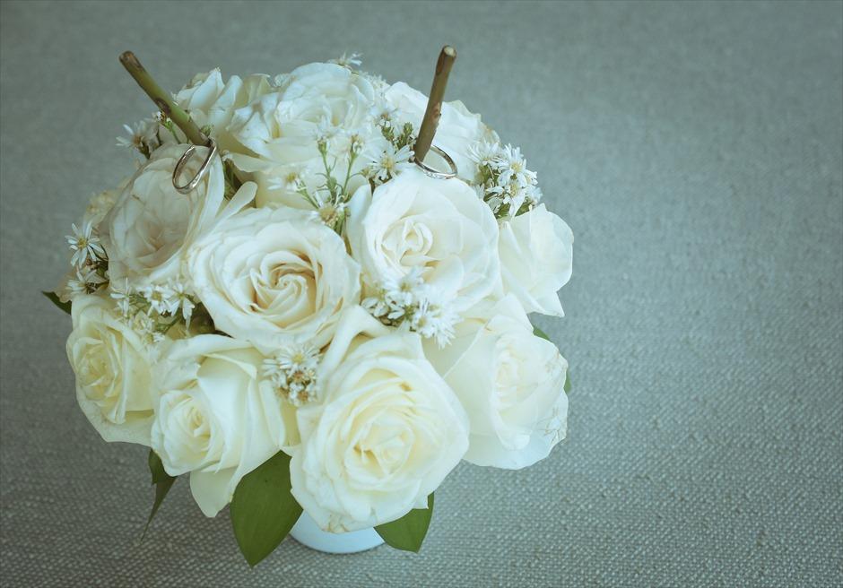 フォーシーズンズ・リゾート・ジンバラン ギリ・ジンバラン・ガーデン・ウェディング 生花のリングピロー