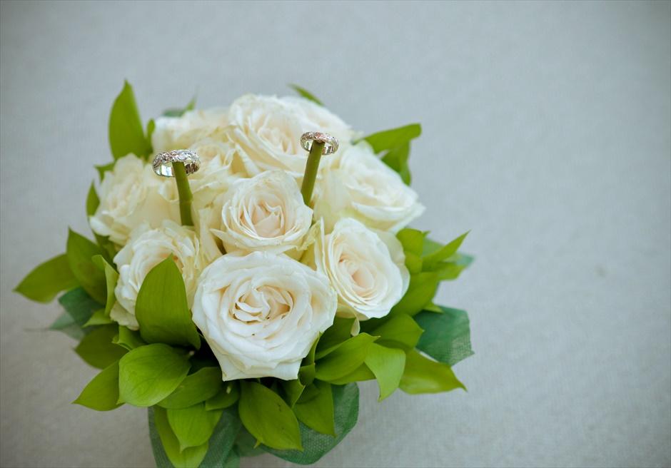 フォーシーズンズ・リゾート・ジンバラン ジンバラン・ガーデン・ウェディング 生花のリングピロー