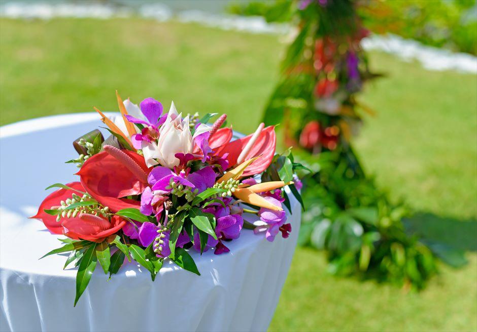 フォーシーズンズ・ジンバラン・バリ結婚式 ガーデン挙式 祭壇装飾