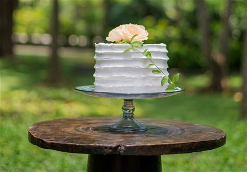 カユマニス・ヌサドゥア挙式 グリーン・パティオ ガーデン・ウェディング ウェディングケーキ