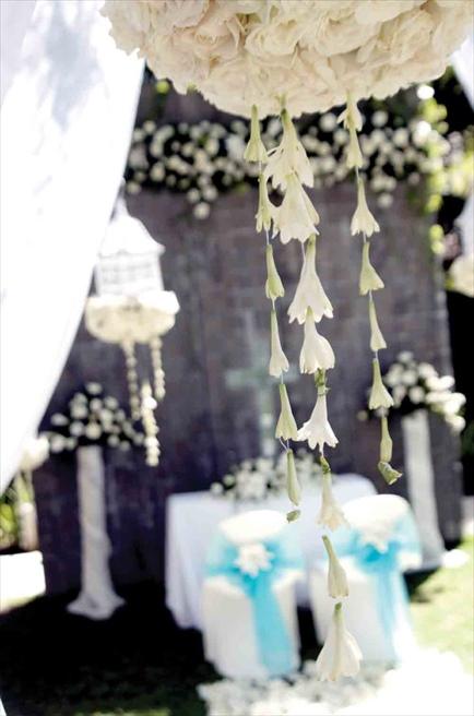 カユマニス・ヌサ・ドゥア プラザ・ガーデン・ウェディング 挙式会場装飾