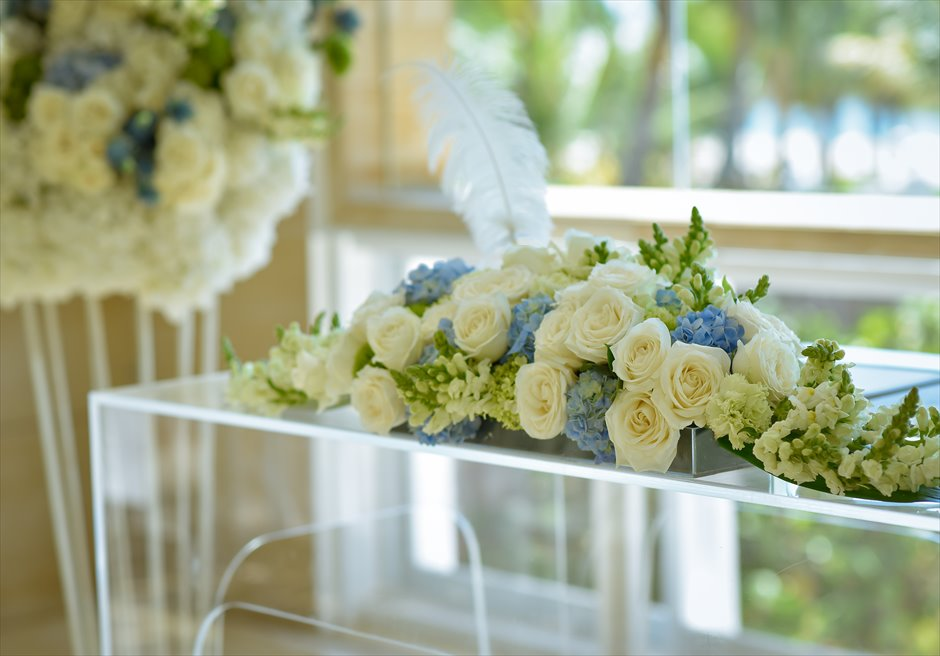 ザ・ムリア・バリ│ ハーモニー・チャペル・ウェディング │ブルー&ホワイト 祭壇装飾