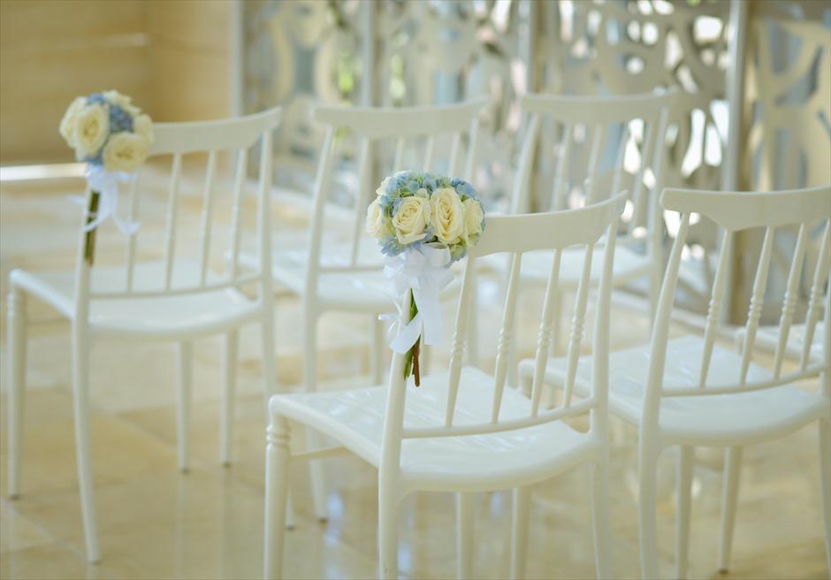 ザ・ムリア・バリ │ハーモニー・チャペル・ウェディング │ブルー&ホワイト ティファニーチェア装飾