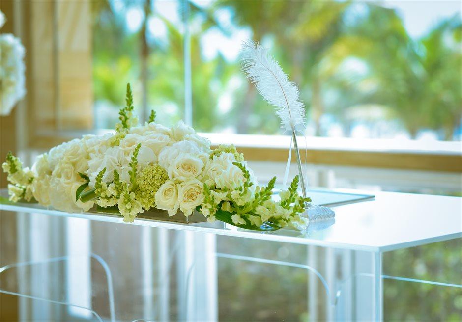 ザ・ムリア・バリ │ハーモニー・チャペル・ウェディング │グリーン&ホワイト 祭壇装飾