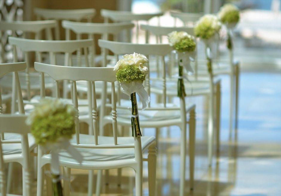 ザ・ムリア・バリ │ハーモニー・チャペル・ウェディング │グリーン&ホワイト ティファーチェア装飾