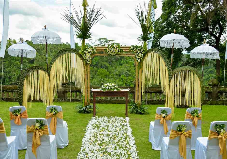 プリ・ウランダリ・ウブド・バリ結婚式 バリニーズ・スタイル・ウェディング 挙式装飾